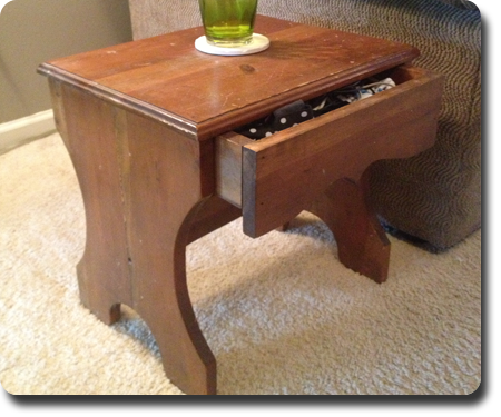 Simple End Table w/drawer